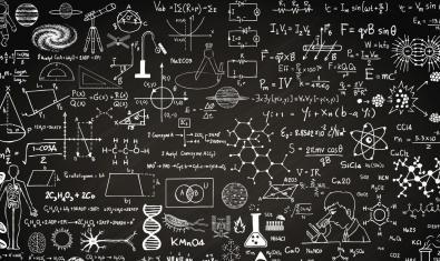Una pissarra plena d'icones relacionades amb la ciència