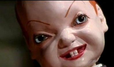 La cara d'un ninot diabòlic.