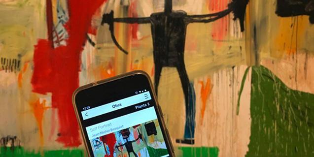 L'app mòbil del MACBA us ofereix audioguies, fitxes, vídeos i molt més per navegar pel museu