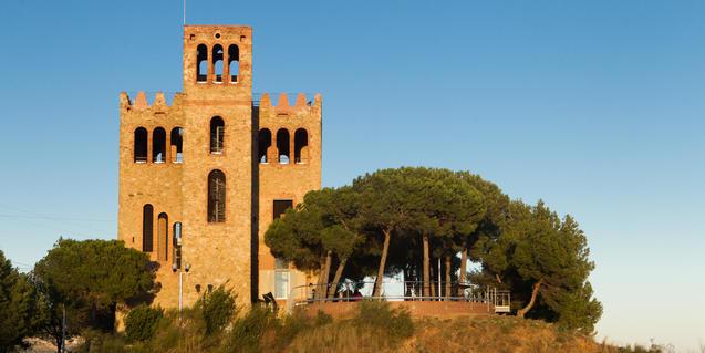Vista del Castell de Torre Baró