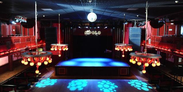 Vista de l'escenari de la sala del carrer Nou de la Rambla