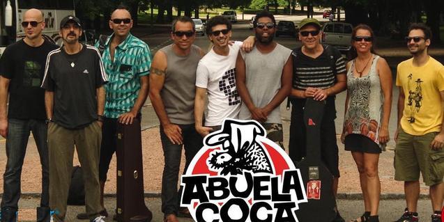 Los integrantes de la banda uruguaya Abuela Coca
