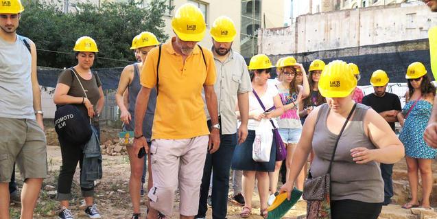 Imatge d'una visita al jaciment