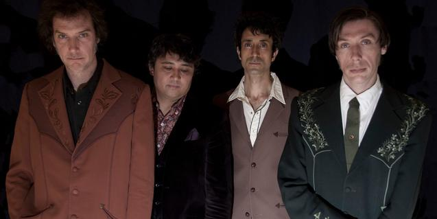 Retrato de grupo de los cuatro miembros de la banda canadiense