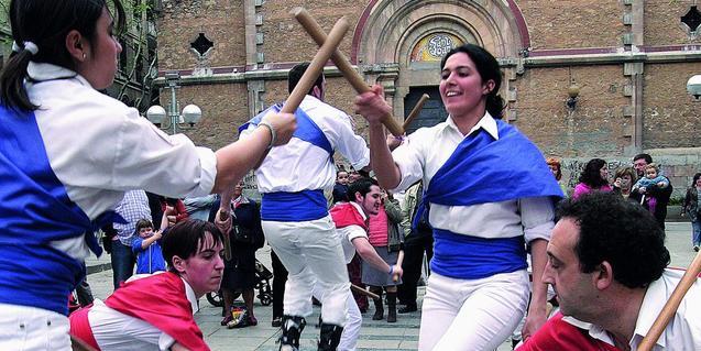 El ball de bastons apareix a la Sopa de lletres. Foto: Josep Maria Contel.