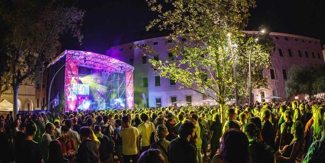 Uno de los conciertos celebrados en Ciutat Vella como parte de este festival dedicado a las nuevas expresiones musicales
