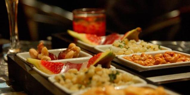 En la visita 'El Banquet etern' se sirve comida cocinada como se hacía en el antiguo Egipto