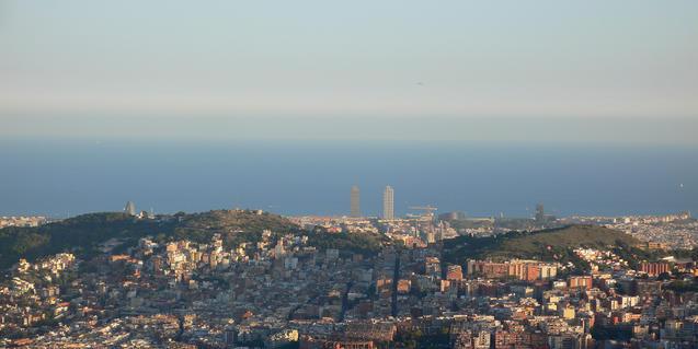 Imatge de Barcelona des del turó de la Magarola