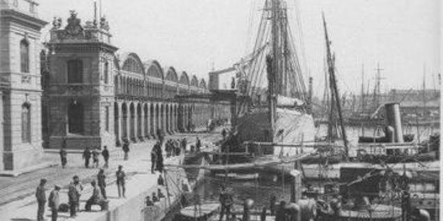 La construcció naval va suposar l'inici de la industrialització de la Barceloneta