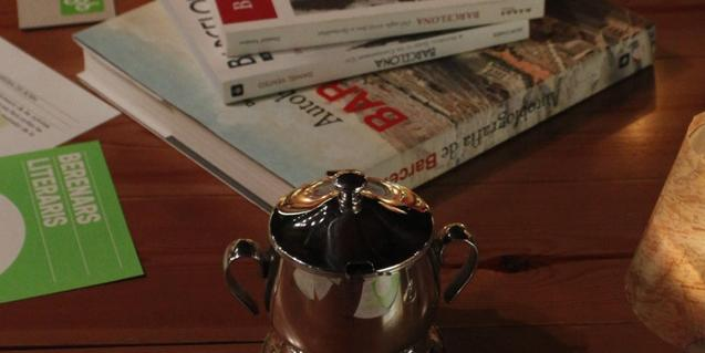 Els 'Berenars literaris' del Born permeten menjar i conversar amb els autors, traductors o editors d'un llibre