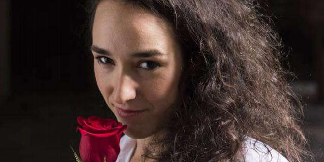 L'actriu Berta Vidal en el paper de la deessa Follia