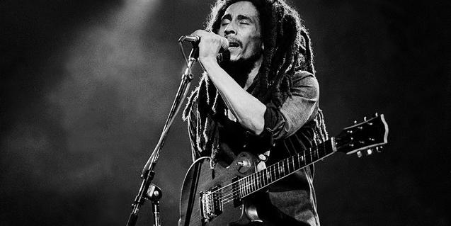 Fotografía de Bob Marley en concierto