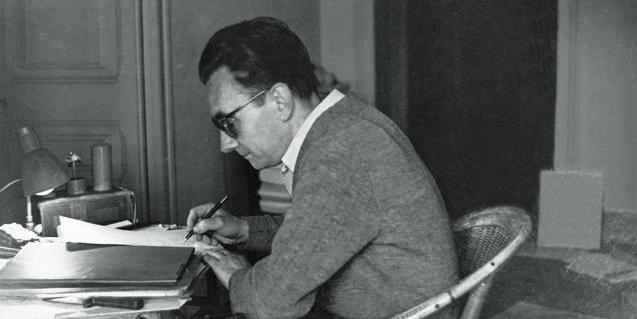 Joan Brossa Escrivint