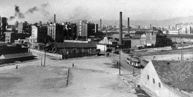 Foto antiga del carrer Pere IV
