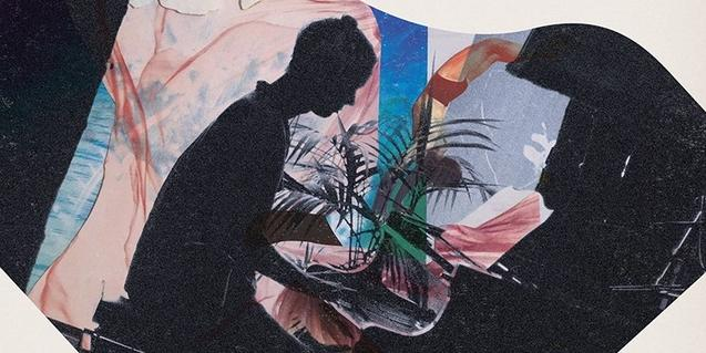 El cartell que anuncia el concert mostra un collage on es veu la silueta en ombra de l'artista tocant el piano