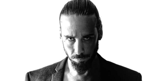 Retrato de primer plano del DJ Christian Varela