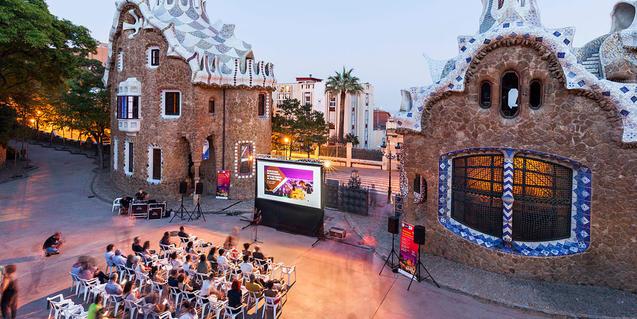Sessió de cinema al Park Güell organitzada pel MUHBA
