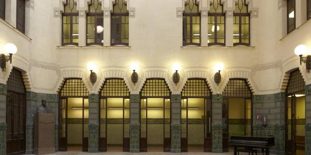 El Conservatori es troba al carrer del Bruc, 110-112