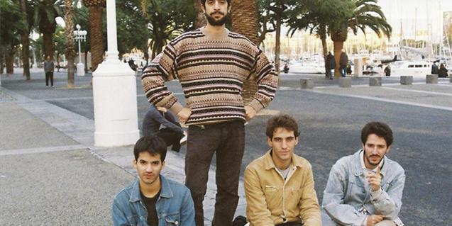 Retrato en exteriores de los cuatro integrantes de la banda de Mallorca