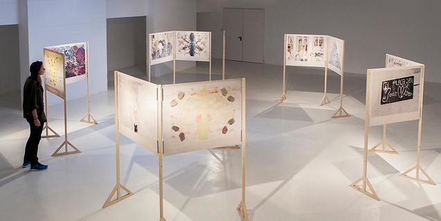 La Biblioteca Pública Arús acoge la intervención de la artista barcelonesa