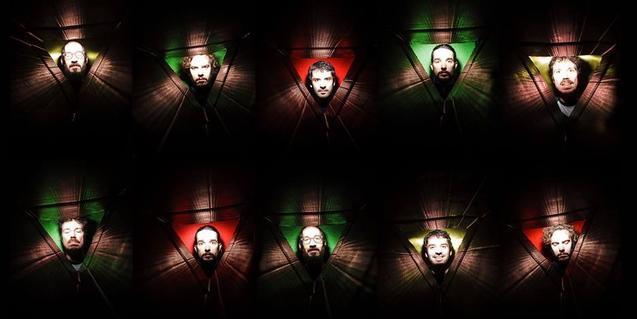 Una fotografía psicodelica muestra las cabezas de los componentes de la banda