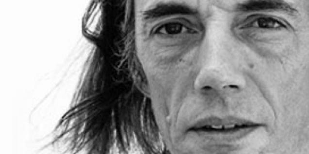 Enric Casasses, uno de los poetas más conocidos que actúa en el Trimestre de Poesía