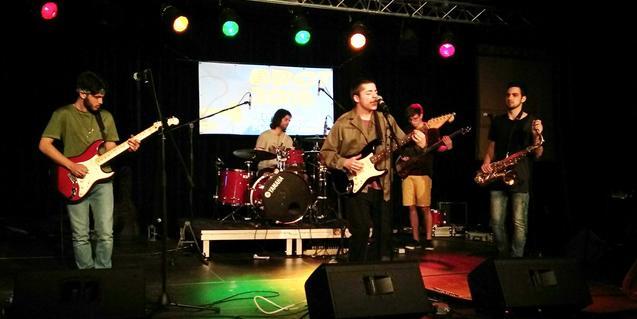 Una imagen de la banda durante su actuación en las semifinales del Brot