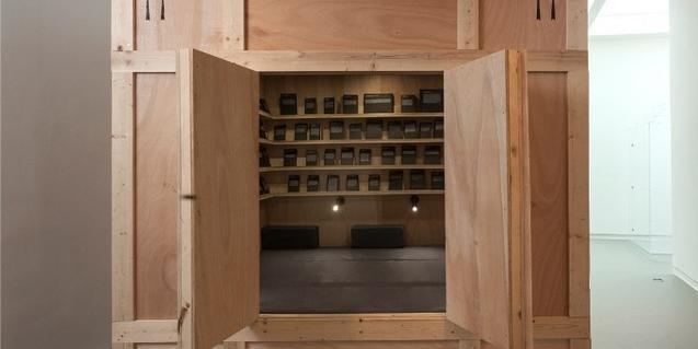 La instalación lleva el sello de Alicia Framis