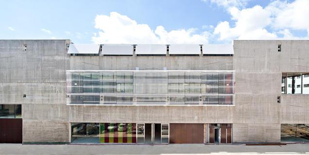Exterior de la Filmoteca de Catalunya