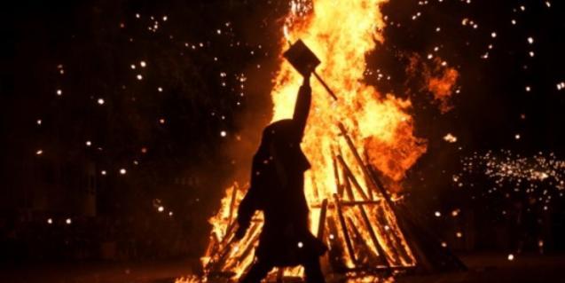 Una foguera de Sant Joan