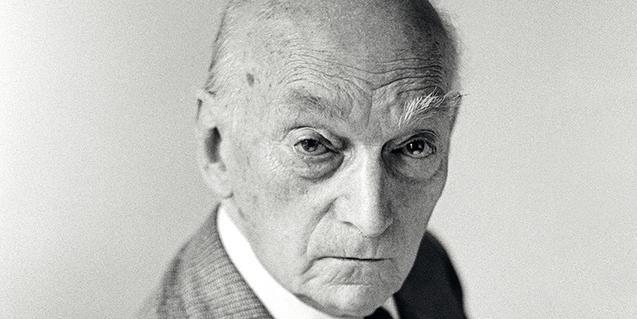 El compositor Frederic Mompou en 1977, retratado por Antoni Bernad