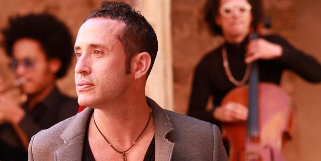 En primer plano, Joel Angelino, intérprete en 'Fresa y chocolate'