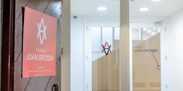 La Fundació Joan Brossa, tancada al públic, comparteix visites narrades i material sobre el poeta surrealista