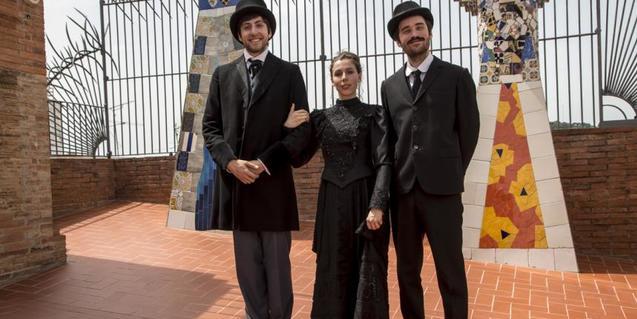 Antoni Gaudí i el matrimoni Güell-López.