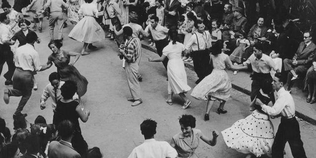 'Gent de festa. Les festes catalanes' es una de las exposiciones que encontraréis en línea