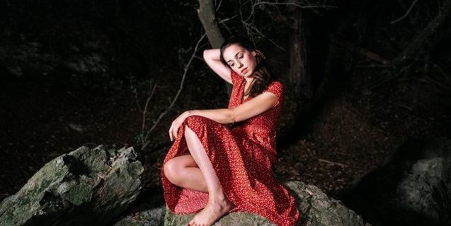 Gemma Humet a la portada del disc 'Màtria'