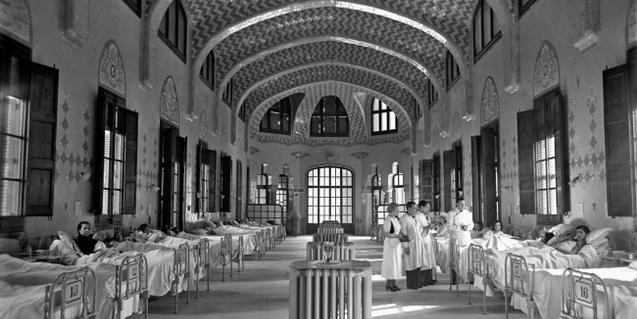 A nursing room at the Hospital de la Santa Creu i Sant Pau during the Civil War