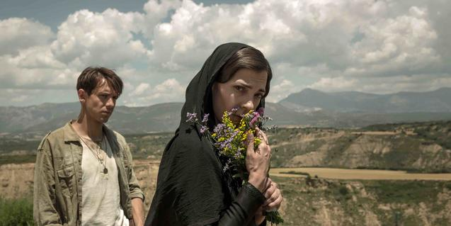 Els actors Marcel Borràs i Núria Prims, en un paisatge aragonès