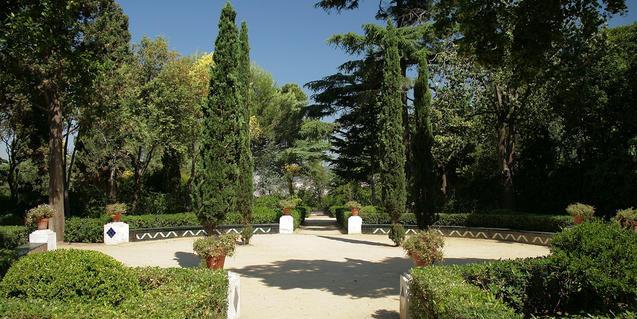 Imagen de los jardines de Laribal