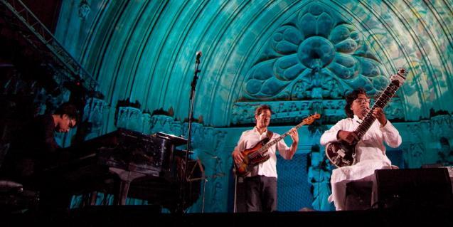 Un concert del artistes Jaume Vilaseca i Ravi Chari