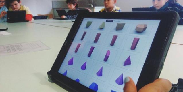 Pantalla d'IPAD amb joc 3D