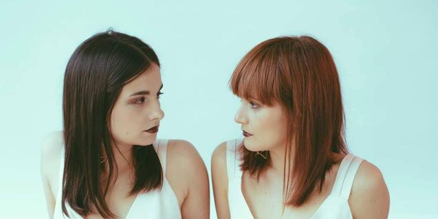Retrat d'Almudena González i Cristina Naranjo, les dues integrants del duet