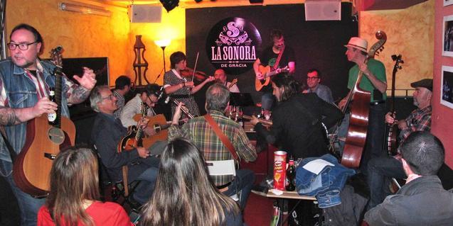 Imatge d'una de les jam sessions que s'han organitzat al local