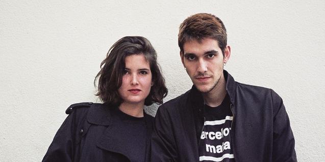 Retrato de las dos componentes (un chico y una chica) de este proyecto musical