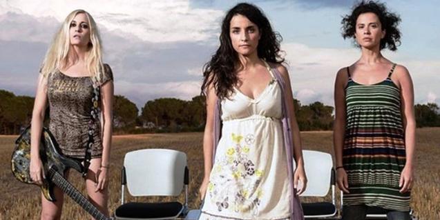 Les tres intèrprets de 'Llibert' en una fotografia promocional