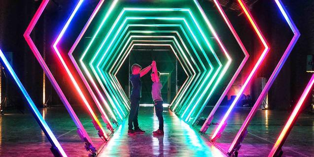El proyecto de Calidos muestra un túnel formado por arcos de diversos colores