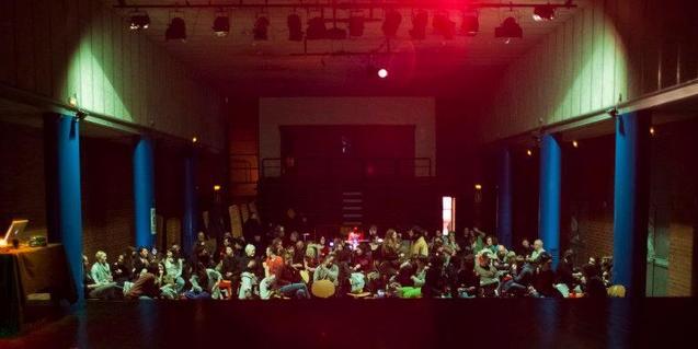 Una imatge de la sala teatral de l'Ateneu Popular 9 Barris