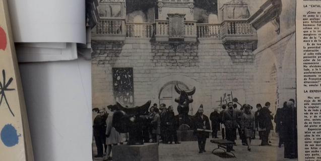 Una fotografía antigua muestra la exposición dedicada a Miró en La Capella en 1968