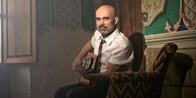 Joel Minguet amb la seva guitarra a 'Lorca'