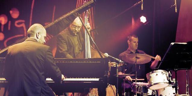 Marc Ferrer Trio